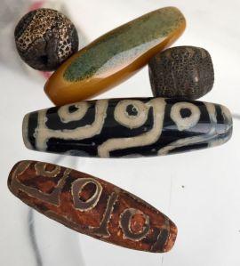 Tibetan Dzi bead lot