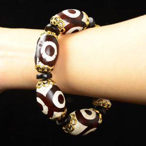 Dzi bead bracelet