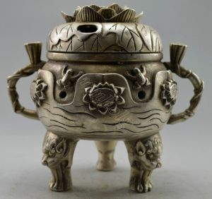 Incense burner in the form of a lotus flower