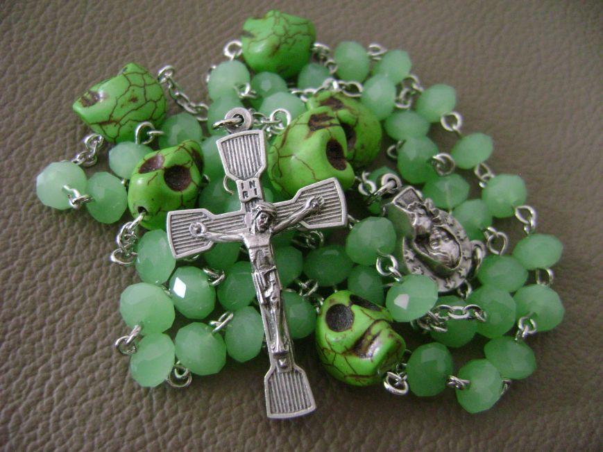 rosarybeadsla