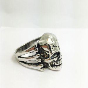 skullringthreeca