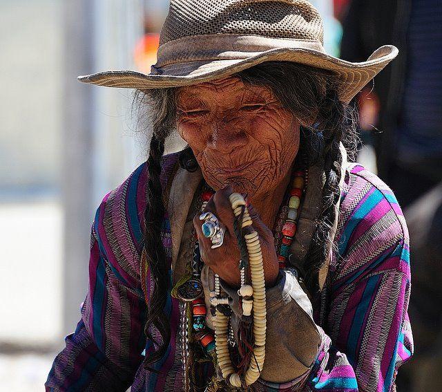 tibetanwomanandbeadsaa